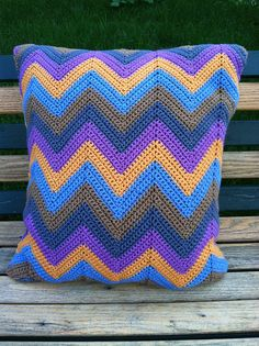 Ravelry: stampsmith's Pointy Chevron Pillow Cover