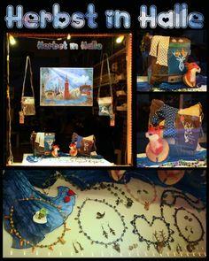 Herbst 2019-Schaufenster des Klunkerfisch-Ladens in Halle (Saale) Halle, Frame, Home Decor, Store Window Displays, Umbrellas, Wind Chimes, Original Paintings, Handmade Jewelry, Nice Jewelry