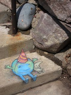 Earth Day with moon - David Zinn Street Art Banksy, 3d Street Art, Street Artists, Graffiti Artists, David Zinn, Amazing Street Art, Amazing Art, Awesome, Chalk Pictures