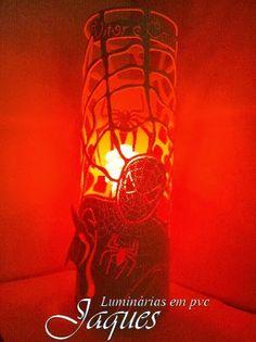 luminária em pvc do homem aranha , em cano de 100mm com 30cm de altura
