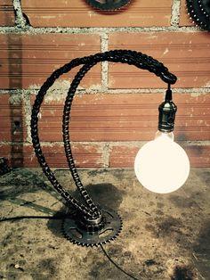 Welding Art Projects, Metal Art Projects, Lampe Metal, House Furniture Design, Steel Art, Steampunk Lamp, Scrap Metal Art, Cool Lamps, Cool Lighting