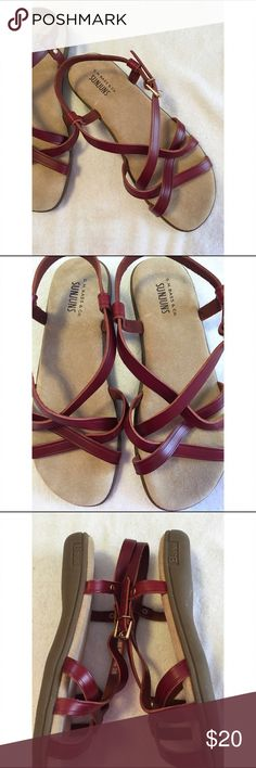 """Bass Sunjuns Leather Sandals This pair of Bass Sunjuns Leather Sandals are in perfect condition only worn once.  That are a size 9.  The inside strap says """"Margie Women's 9ww made in China"""". Super comfortable Bass Shoes Sandals"""
