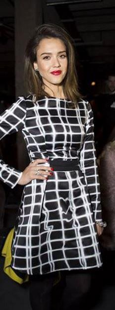 Who made  Jessica Alba's black and white print dress?