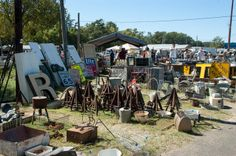 The Flea Market Takes Place Thursday Through Sunday Before First Monday Of Each Month In Canton Texas 60 Miles East Dallas Off