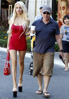 A class act: Courtney Stodden steps out in a pair of towering see-through heels as she heads shopping in short red dress Hot Heels, Sexy Heels, See Through Heels, Clogs Outfit, Early 2000s Fashion, Courtney Stodden, Stripper Heels, Tan Body, Head Shop
