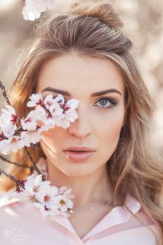Dreamy Photography, Fashion Photography Poses, Spring Photography, Photography Photos, Creative Photography, Cherry Blossom Pictures, Tumbrl Girls, Best Photo Poses, Spring Photos