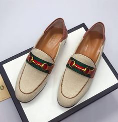 Guccl New Female Models Male Models 18059955283 Gucci Designer, Designer Shoes, Gucci Shoes, Men's Shoes, New Woman, New Product, Cartier, Female Models, Latest Fashion