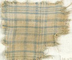 MEDIUM Linen DATES 5th-6th century C.E. DIMENSIONS 4 x 4 1/4 in. (10.2 x 10.8 cm)