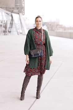 vintage style - street look vintage dress - look mode - gilet vert - look cuissardes - blog mode lyon Artlex