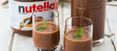 Genial: Nutella-Schnaps gibt's wirklich – das Rezept zum Selbermachen hier! Awesome: Nutella schnapps really exists – the recipe for making it yourself here! Diy Nutella, How To Make Nutella, Milka Oreo, Homemade Liqueur Recipes, Homemade Baileys, Homemade Candles, Food Club, Schnapps, Vegetable Drinks