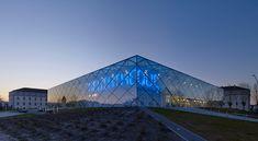 archi5 shapes reflective mont de marsan mediatheque - designboom   architecture