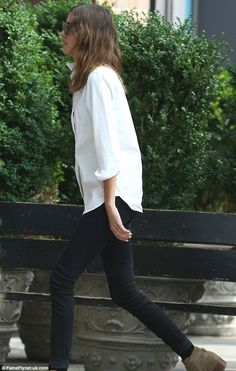 *Great casual look, whole outfit *Shirt must be semi-fitting aka not too long or too big (as shown) Alexa Chung Looks Style, Style Me, Simple Style, Look Fashion, Street Fashion, Tokyo Fashion, Denim Fashion, Fall Fashion, Vetements Clothing