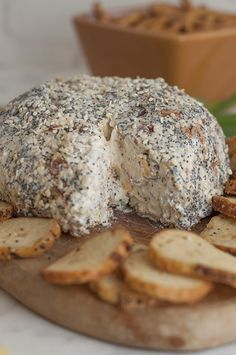 Get the party started with this Everything Bagel Cheese Ball recipe: all the flavors of an everything bagel turned into a delicious cheese ball appetizer!