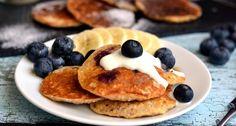 Banános áfonyás zabpehelypalacsinta recept: Ez a banános áfonyás zabpehelypalacsinta recept egy gyors, egészséges, és finom reggeli desszert!