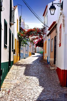 De oude straatjes van Ferragudo, Algarve, Portugal.