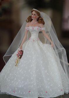 Barbie Bridal, Barbie Wedding Dress, Wedding Doll, Barbie Gowns, Barbie Dress, Barbie Clothes, Bridal Dresses, Barbie Torte, Barbie E Ken