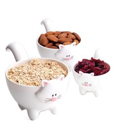 White Meow Measuring Cup - I kinda think they're too cute to use though!!  #zulilyfinds
