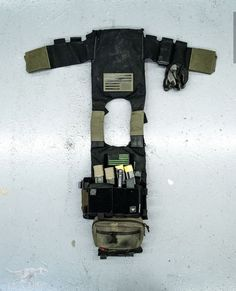 Combat Gear, Combat Knives, Airsoft Plate Carrier, Plate Carrier Setup, Security Room, Airsoft Ideas, T Rex Arms, Airsoft Field, Tactical Solutions
