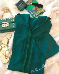 Djellaba en crêpe travaillée avec mâalem by H&N ✨ #HetN #creation #couture #djellaba #gandoura #caftan #tenue #robe #broderie #perlage #handmade #quality #morocco