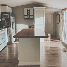 Mobile Home, Instagram Posts, Kitchen, Table, Furniture, Home Decor, Cooking, Decoration Home, Room Decor