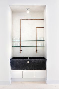 A much, much sexier Fifty Shades of Grey.      Having two sinks is just being greedy, but I can't hold that against this Barcelona b...