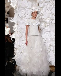Karl Lagerfeld hat in seiner letzten Kollektion die Träume einer jeden Braut erfüllt....