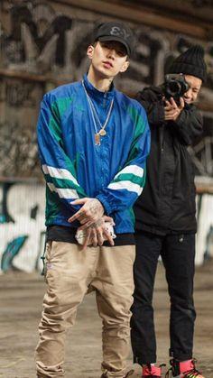"J Park 박재범 ( they said :""dang he found someone shorter than him "" Me:""😹😹 yeah , but he's sexy"" ^^ Jaebum, Jay Park Network, Park Jaebeom, Rapper, Korean Boys Ulzzang, Bts Meme Faces, Korean American, Kris Wu, Record Producer"