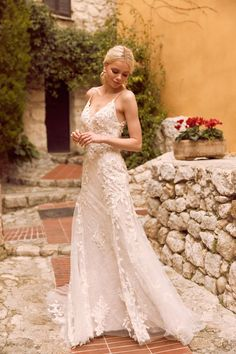 Located in New Westminster, BC near Vancouver, The Bridal Gallery carries the most wedding dresses, bridesmaids dresses, prom/grad dresses and gowns in Canada. Fitted Wedding Gown, New Wedding Dresses, Cheap Wedding Dress, Boho Wedding Dress, Designer Wedding Dresses, Bridesmaid Dresses, Bridal And Formal, Yes To The Dress, Beach Dresses