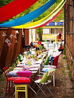 Decoração de: Detalhes; cadeiras coloridas; Casa de Valentina