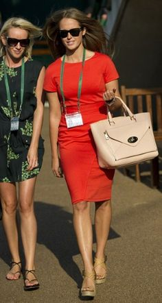 Kim Sears-Hobbs dress and dreamy Mulberry Willow tote. Hobbs Dresses, Little Red Dress, Work Fashion, Women's Fashion, Tennis Clothes, Fashion Gallery, Red Carpet Looks, I Dress, Victoria Beckham