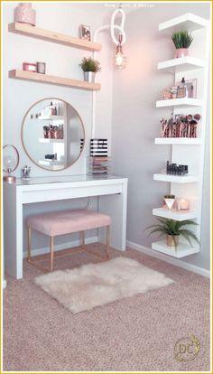 Hollywood Regency Bedroom Design Ideas - Home Decor Bedroom Decor For Teen Girls, Room Ideas Bedroom, Girl Bedroom Designs, Teen Room Decor, Small Room Bedroom, Home Decor Bedroom, Bedroom Mirrors, Master Bedroom, Bedroom With Vanity