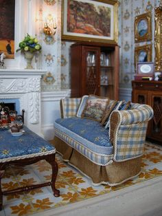 My dollhouse will probably never look this grand, but I love the colors and the flooring in this room!