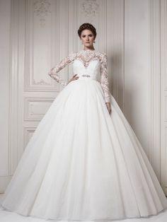 princess wedding, classic wedding dress, ballroom, lace, sleeve dress, lace sleeve,