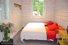 Cosy bedroom / Kotoisa makuuhuone