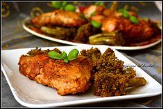 Składniki: ok. 1 kg mięsa z kurczaka, u mnie udka i filet 1 brokuł sól, pieprz sos piri piri: 1 czerwona cebula 4 ząbki czosnku 1-2 papryczki chili z pestkami 2 łyżeczki wędzonej słodkiej papryki g…