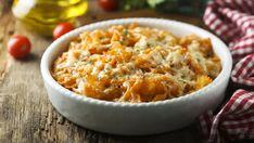 Zapekané cestoviny s paradajkovou omáčkou | Recepty.sk Churro, Mozzarella, Pesto, Macaroni And Cheese, Spaghetti, Healthy Recipes, Healthy Food, Ethnic Recipes, Red Peppers