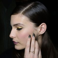 Beauty Report: Golden Glamour at Badgley Mischka Fall 2014