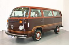 1978 VW Bus, Champagne Edition « Attington Classics