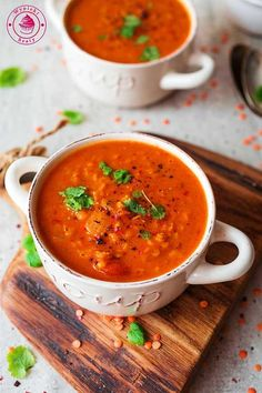 Indyjska zupa dhal Dhal soup - indyjska zupa dhal z pomidorami i soczewicą Raw Food Recipes, Indian Food Recipes, Soup Recipes, Vegetarian Recipes, Cooking Recipes, Healthy Recipes, Bengali Food, Food Design, Tasty Dishes