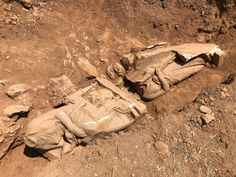 National Geographic, Anthropology Major, Grave Monuments, Greek Statues, Archaeology News, Light In, Archaeological Finds, New City, Ancient Greece