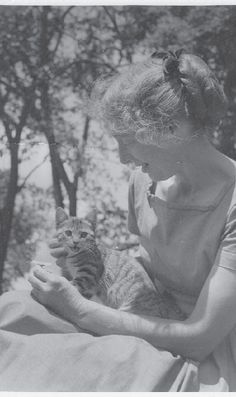Timeline - Tasha Tudor and Family 1955- Her lifelong love of pets and barnyard animals began in earnest when 8-year-old Tasha rescued a hen in New York City.