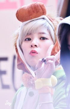 Jeongyeon - Twice (@TartaDeFresa04) | Twitter ¿Te gusta el K-pop? Puedes pasar por mi cuenta de Twitter, encontraras contenido de Kpop. Rapido! Estamos por llegar a los 100 seguidores >_<