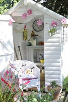 cottage Garden room Pink and white and pretty my well shed sooo needs a make over! Good idea for it :)! Garden Buildings, Garden Structures, Outdoor Buildings, Backyard Seating, She Sheds, Potting Sheds, Potting Benches, Shed Plans, Barn Plans