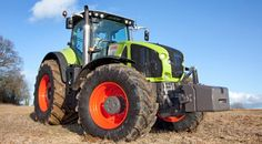 With its new Axion 950 Claas has entered uncharted waters. Topping out at 410hp it is now the most powerful conventional tractor in the world. Oliver Mark and Nick Fone gave it the Power Farming shake-down to see how it performs
