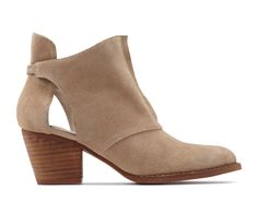SEVOREVEN | Available at... US retailers:  Heels(.com) | UK/EUR retailers: ASOS / Sarenza