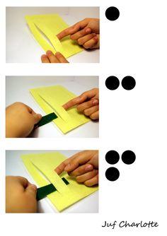 Stappenplan fijne motoriek. Weef de groene stroken tussen de gele mat. (deel 1)