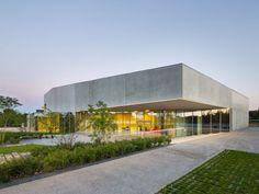 La Quintaine : un bâtiment mi-salle de spectacle mi-salle de réception