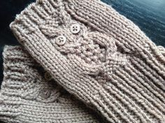 Ravelry: Owl Mitts pattern by Amanda Jones