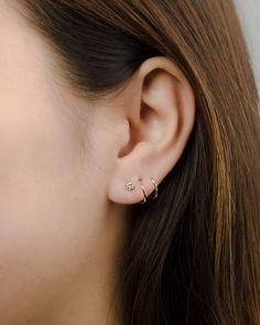 Zirconia Spiral Earrings- Two Hole Earrings- Double Hoop Earrings- Birthstone Earrings- Minimal Earrings- Double Piercing Earrings - Schmuck - Faux Piercing, Double Ear Piercings, Cute Ear Piercings, Piercings Rook, Bar Stud Earrings, Crystal Earrings, Diamond Earrings, Double Earrings, Multiple Earrings
