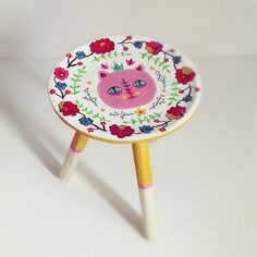 Kitty wooden stool - Heliana